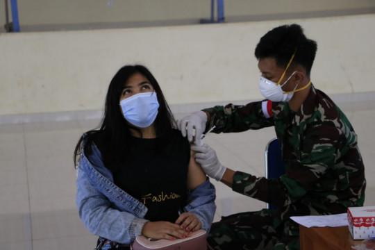 Koopsau III percepat vaksinasi sasar penumpang Bandara Frans Kaisiepo