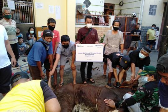 Jamkrindo berbagi hewan kurban untuk masyarakat