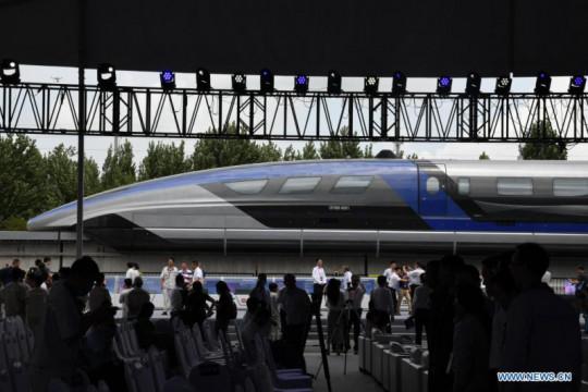 Kereta maglev buatan China tercepat di dunia, 600 km/jam