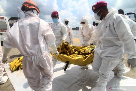 TNI AL kembali evakuasi korban kapal tenggelam di perairan Kalbar