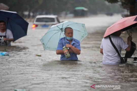 Korban tewas banjir Zhengzhou jadi 25, tujuh lainnya masih hilang