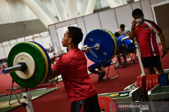 Timnas angkat besi Indonesia berlatih jelang laga Olimpiade Tokyo 2020