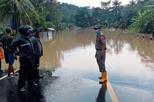 Banjir genangi sejumlah wilayah di Cilacap