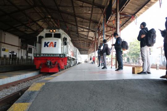Daop Madiun catat penumpang KA turun 90 persen selama PPKM