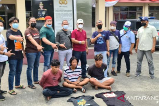 Kriminal kemarin, tersangka baru korupsi BOS hingga pemalak sopir truk