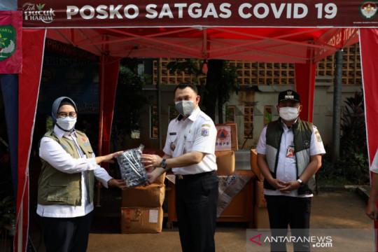Optimalkan posko PPKM, BNPB bagikan masker di Kecamatan Matraman