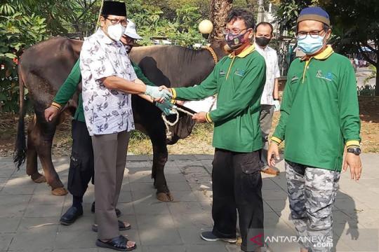 Peruri salurkan bantuan hewan kurban ke masyarakat Kabupaten Karawang