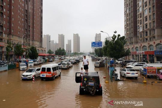 AS sebut China intimidasi wartawan asing peliput banjir