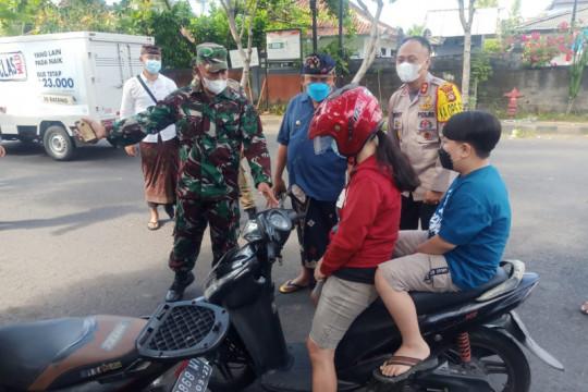 Puluhan warga terjaring razia vaksinasi COVID-19 di Jembrana-Bali