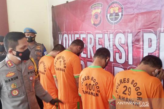 """Polisi menangkap dua komplotan """"Mata Elang"""" di Bogor"""