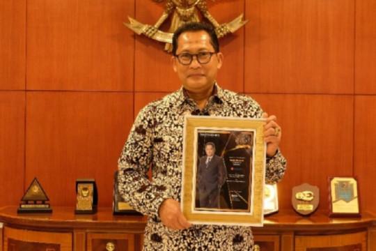 Dirut Bulog raih penghargaan Best CEO Award kategori Food Security