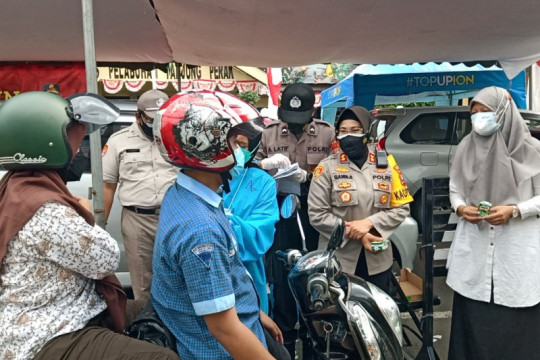 Vaksinasi lantatur percepat kekebalan kelompok di Surabaya