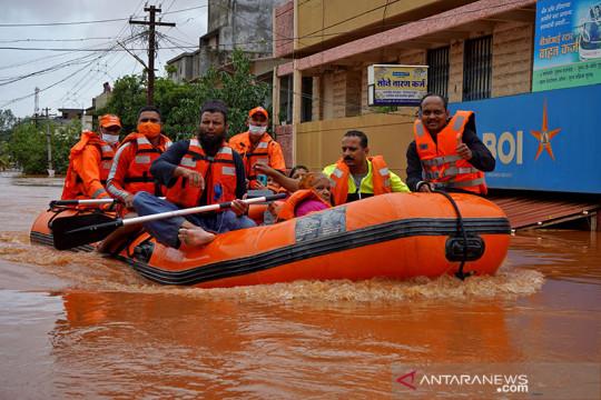 Korban tewas akibat banjir dan longsor di India bertambah jadi 125