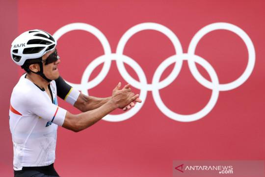 Pebalap sepeda Ekuador Carapaz rebut emas road race Olimpiade Tokyo