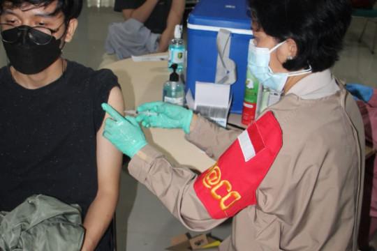 Polda Lampung gelar vaksinasi dosis kedua di Unila