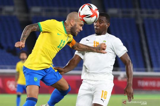 Diwarnai dua kartu merah, Brazil ditahan imbang Pantai Gading 0-0