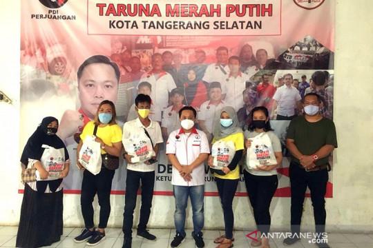 Taruna Merah Putih bagikan 3.000 paket sembako kepada masyarakat