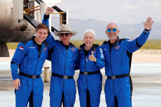 Mengulas pariwisata antariksa dan dampaknya bagi Bumi