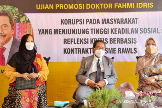 Fahmi Idris meraih gelar doktor dari UI