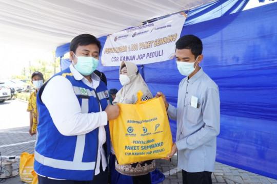 Jasa Marga Gempol-Pasuruan salurkan 1.000 paket sembako untuk warga