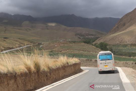 13 tewas, 45 terluka akibat kecelakaan bus di Gansu
