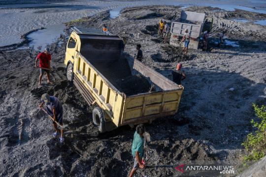 Tambang pasir rakyat di Palu kembali beroperasi