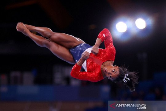 Simone Biles mundur dari final senam artistik lantai Olimpiade