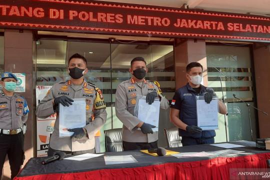 "Dua tersangka pemalsu hasil ""PCR"" catut tiga rumah sakit di Jakarta"
