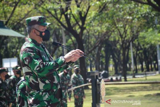 Kasum TNI periksa kesiapan akhir Satgas Pamtas Yonif Para Raider