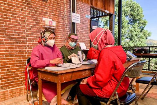 Menparekraf apresiasi sentra vaksinasi di Cicalengka Dreamland