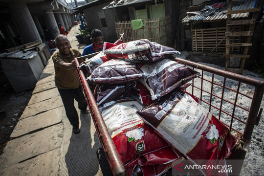 Bansos beras di DKI mulai disalurkan Kamis