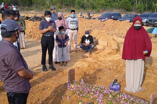 Diduga terima dua dosis vaksin sekaligus, warga Batam meninggal