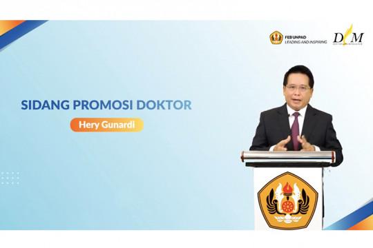 """Hery Gunardi raih gelar doktor disertasi """"private wealth management"""""""