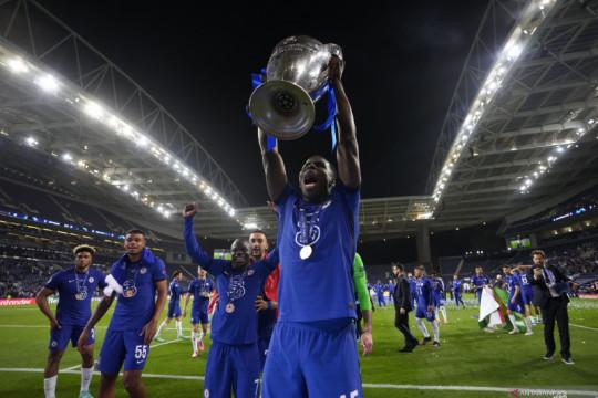 Negosiasi West Ham dengan Chelsea untuk Kurt Zouma berjalan rumit