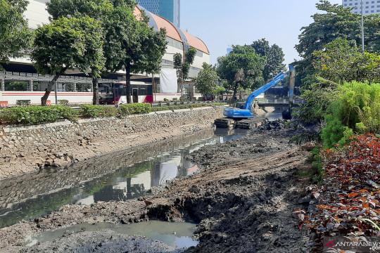 Antisipasi banjir, petugas Sudin SDA Jaksel disiagakan 24 jam