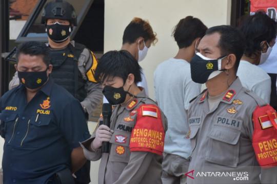 Polisi ringkus komplotan begal bersajam di Bekasi