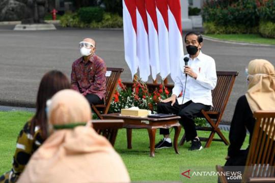 Presiden Jokowi serahkan Banpres Produktif Usaha Mikro