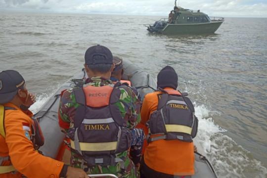 Perahu berpenumpang empat orang ditemukan di sekitar Pulau Tiga