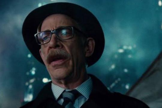 """J.K. Simmons dikabarkan akan perankan Commisioner Gordon di """"Batgirl"""""""