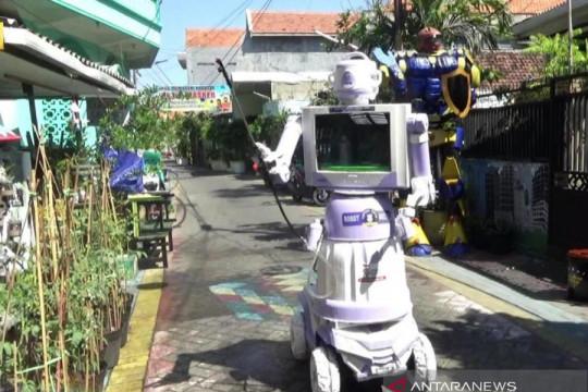 """Warga Tembok Gede Surabaya rakit """"Robot Delta"""" penyemprot disinfektan"""