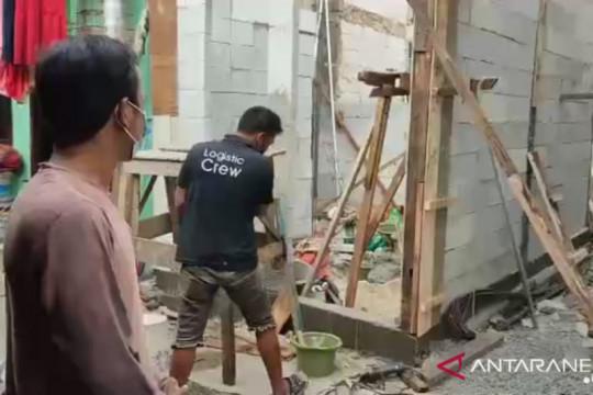 Kelurahan Ancol bedah rumah milik korban PHK saat pandemi