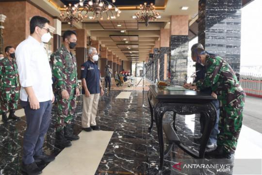 TNI AD terima bantuan 380 tabung oksigen dari SKK Migas dan Kadin