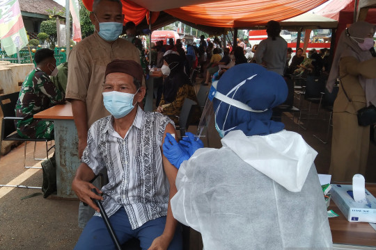 Tiga juta warga luar Jakarta vaksin COVID-19 di DKI