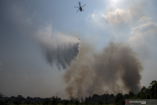 Upaya pemadaman kebakaran lahan di Indralaya Utara