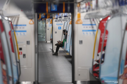 Penumpang MRT turun 80 persen