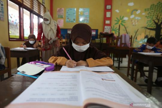 Sekolah tatap muka terbatas di Aceh
