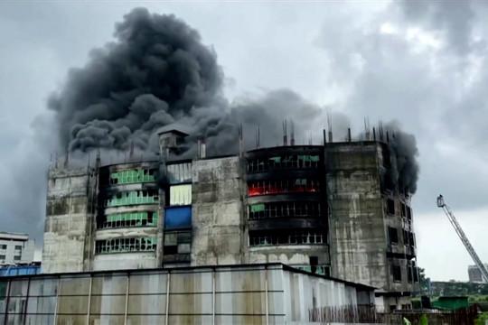 52 orang tewas dalam kebakaran pabrik di Bangladesh