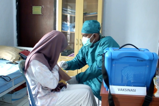 54 calon Paskibraka Ternate jalani vaksinasi perdana bagi remaja