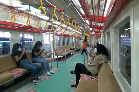 KAI Commuter wajibkan penggunaan masker ganda selama PPKM darurat
