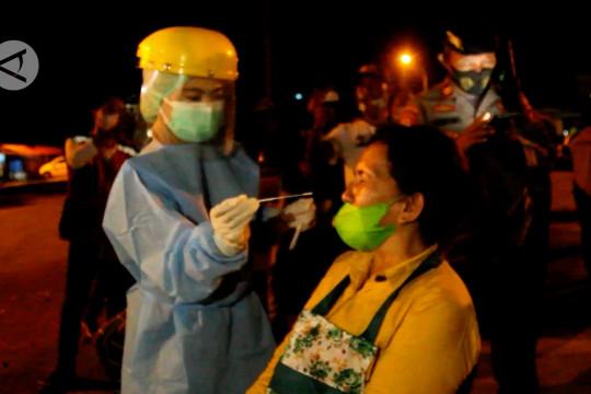 Satgas Kota Ternate tes antigen pelanggar jam malam